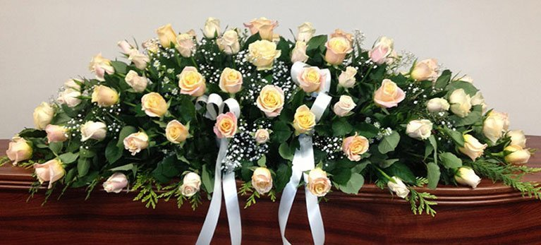 tony-hollands-funeral-flowers-13-767x347
